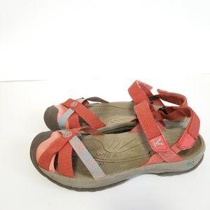 Keen size 9.5 waterproof sandals